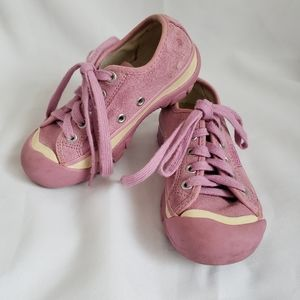 Keen little girls  suede lace up shoes